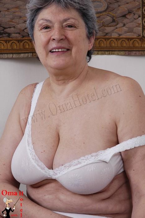 Video oma gratis sex Granny Porn
